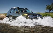 Off Road 4x4 car Renault Duster wallpapers 4K Ultra HD